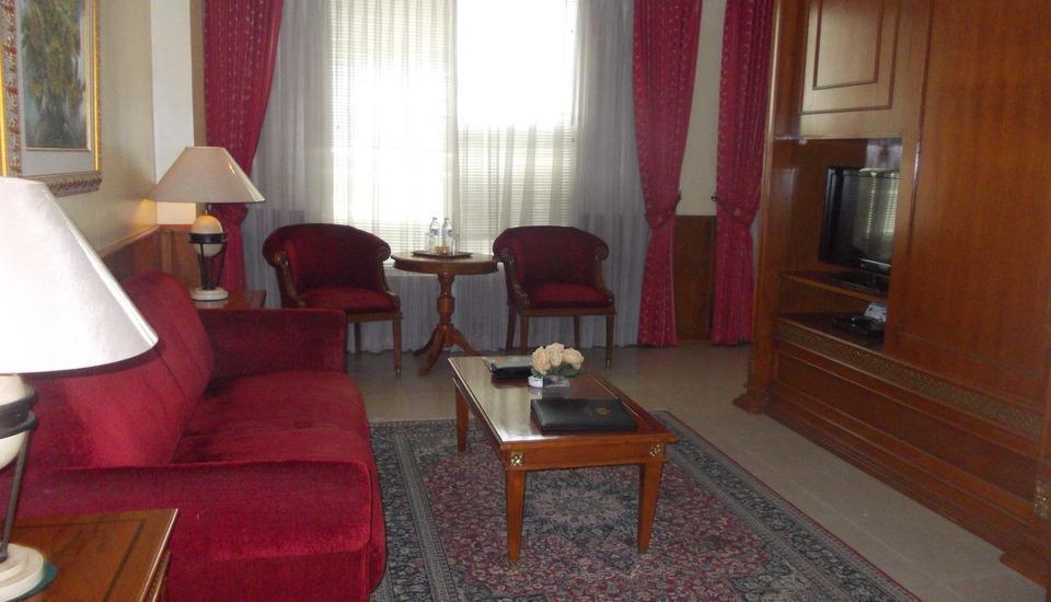 Hotel Prima Cirebon - Prima Suite Living Room