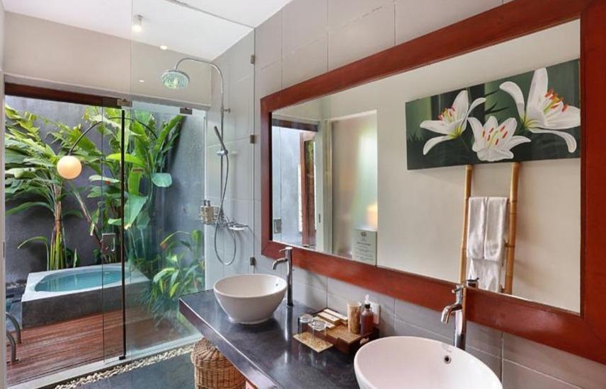 Legian Kriyamaha Villa Bali - Kamar mandi
