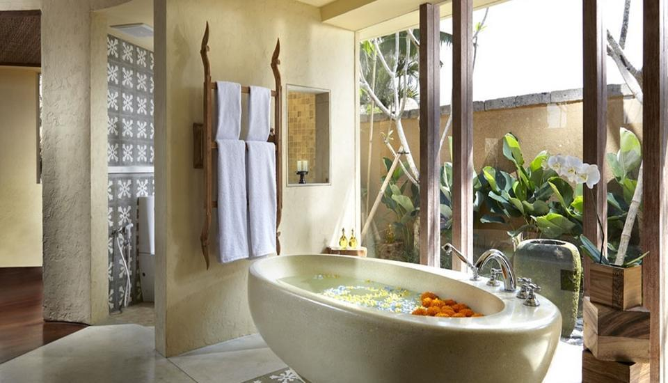 Waka Gangga Resorts Bali - Bathtub