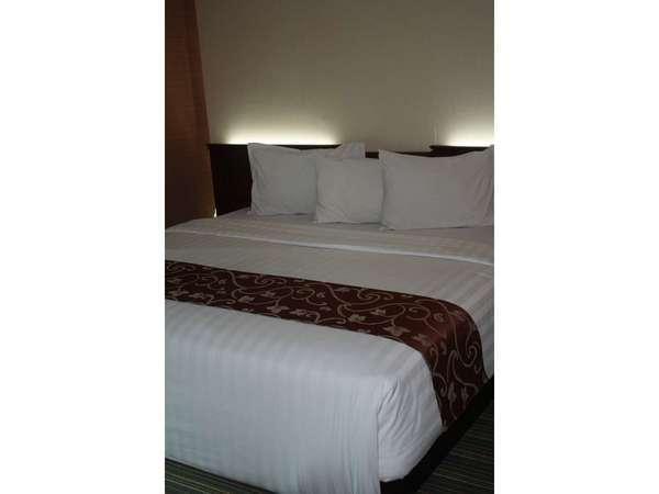 Twin Plaza Hotel Jakarta - Deluxe Tempat Tidur King