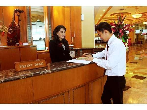 Twin Plaza Hotel Jakarta - Resepsionis