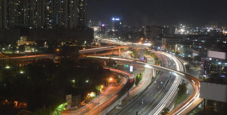 Twin Plaza Hotel Jakarta - Pemandangan kota malam hari