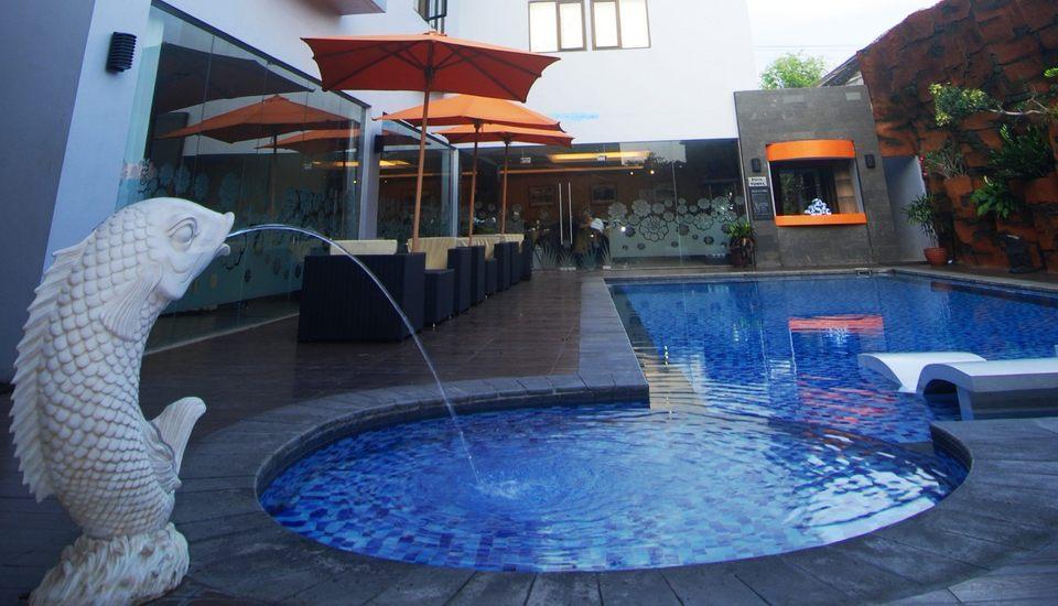 Hotel Arjuna Yogyakarta - Kolam Renang