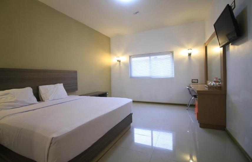 Zamrud Malioboro Jogja - Suite Room Regular Plan