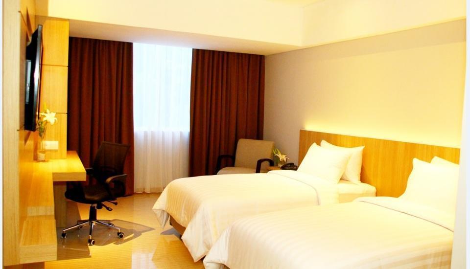 Grand Tjokro Bandung - Deluxe Room Only Regular Plan