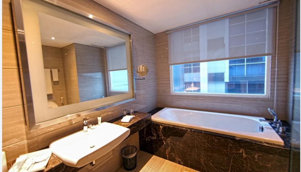 Grand Tjokro Bandung - Premier Bathroom