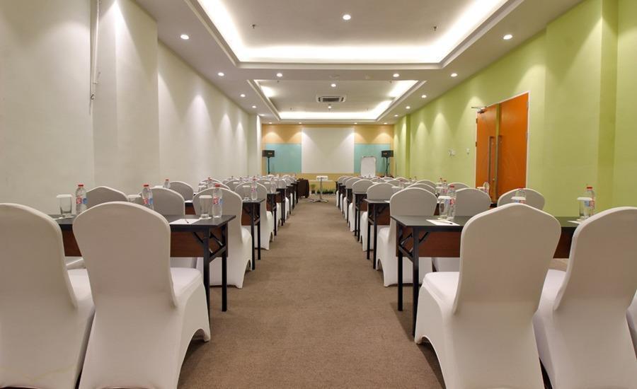 Zest Hotel Batam - Ruang Rapat