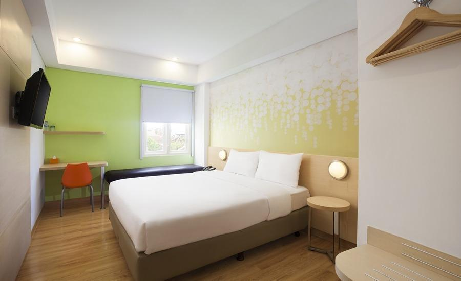 Zest Hotel Batam - Zest Queen Room Only Pay Now and Save - 15%