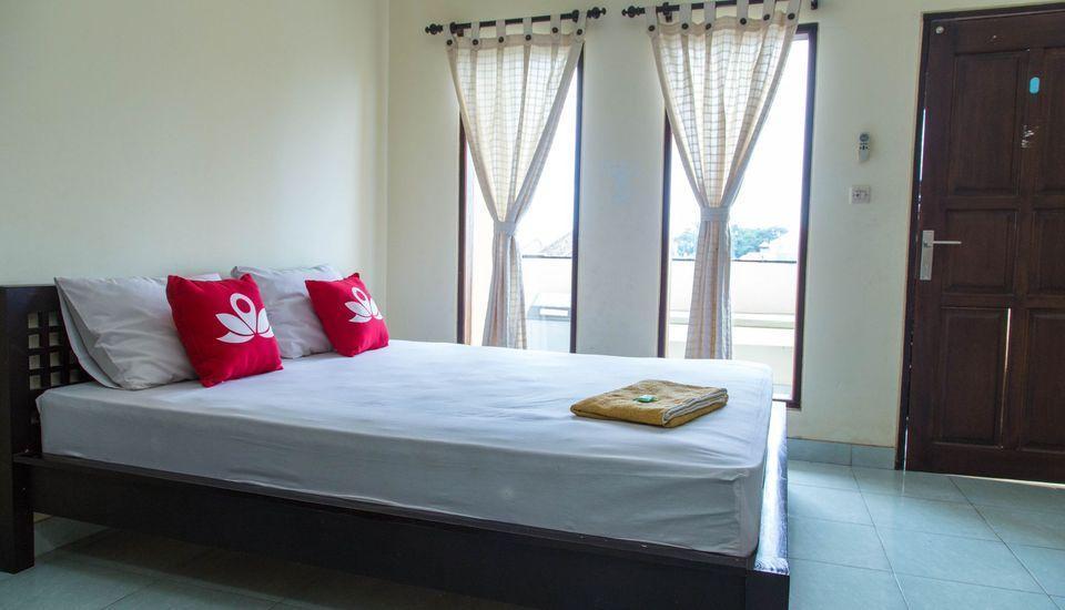 ZenRooms Pemogan Raya Denpasar Bali - Tempat Tidur Double
