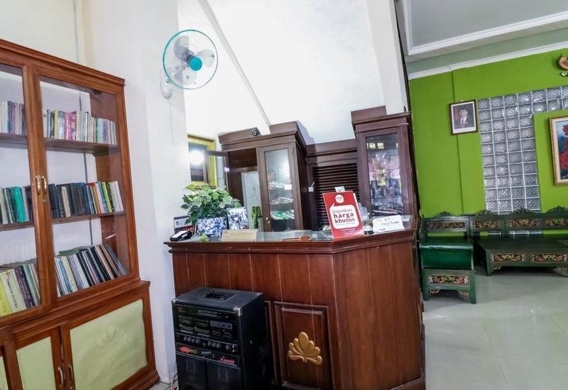 NIDA Rooms Raya Tajem Sambi Sari Jogja - Resepsionis