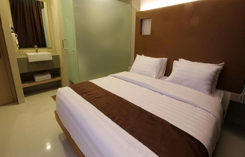 Sky Inn Express Hotel Batam - Express Double Room Regular Plan
