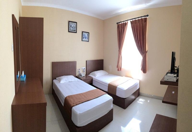 Binong Guest House Tangerang - Kamar Deluxe