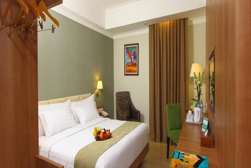 Aziza Syariah Hotel Solo By Horison Solo - Deluxe - with Breakfast Regular Plan