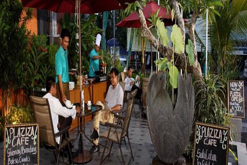 Aziza Syariah Hotel Solo By Horison Solo - Eksterior