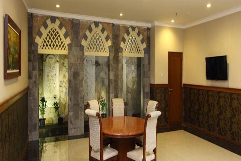 Aziza Syariah Hotel Solo By Horison Solo - Ruang Tamu