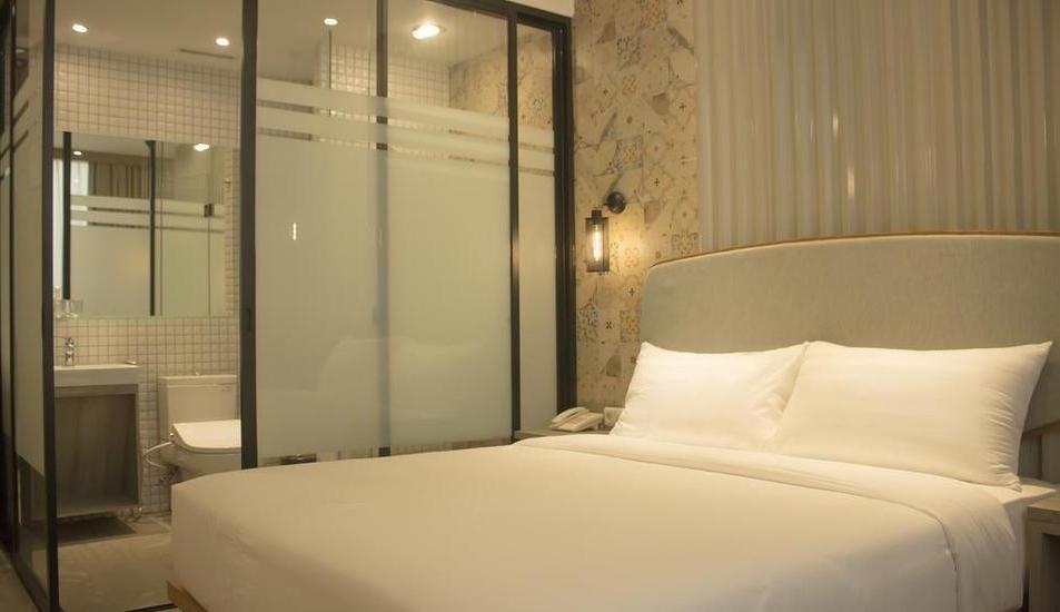 Ana Hotel Jakarta - Room