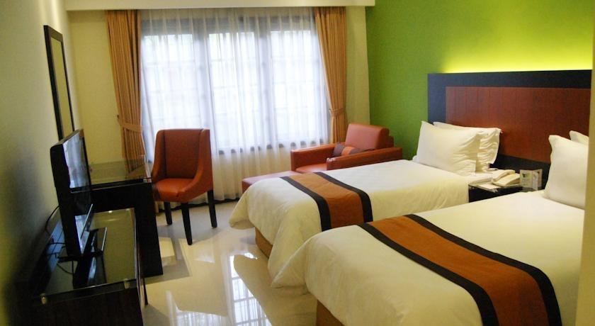 Prime Plaza Hotel Yogyakarta - Kamar tamu