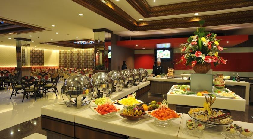 Prime Plaza Hotel Yogyakarta - Buffet