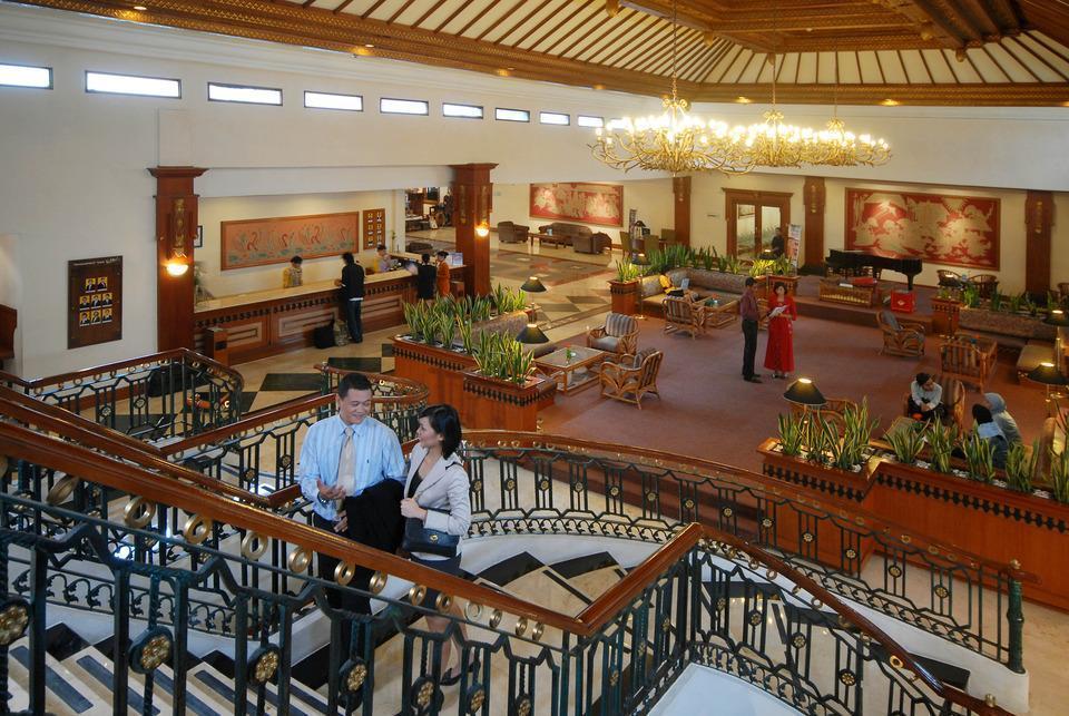 Prime Plaza Hotel Yogyakarta - Lobby