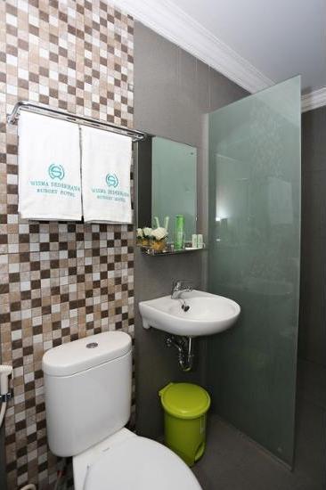 Wisma Sederhana Budget Hotel Medan - Kamar Royal Regular Plan