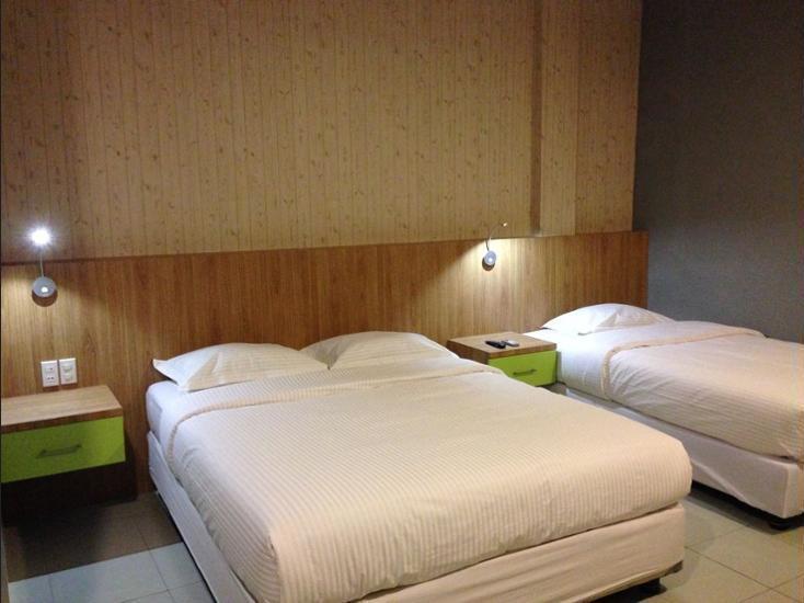 Wisma Sederhana Budget Hotel Medan - Kamar Keluarga Regular Plan