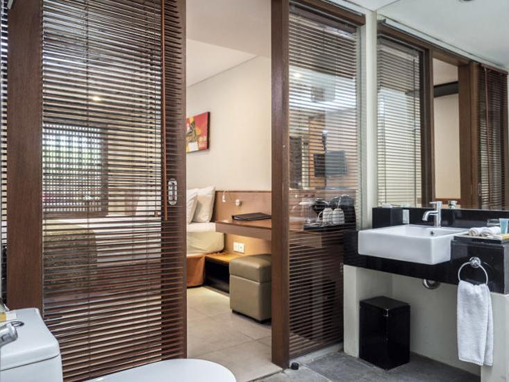 Savvoya Hotel Bali - Bathroom Sink