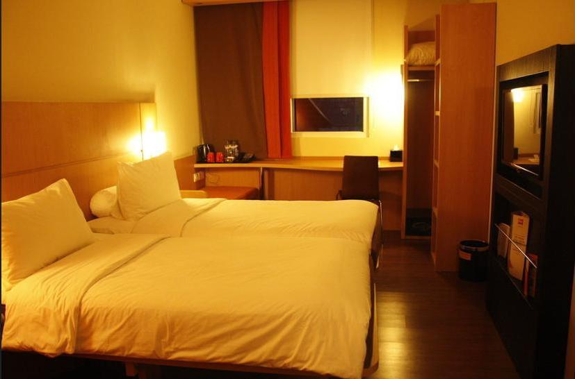 ibis Surabaya City Center - Guestroom