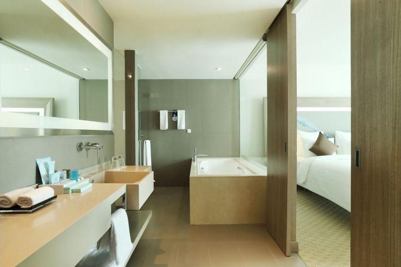 Novotel Tangerang - Bathroom