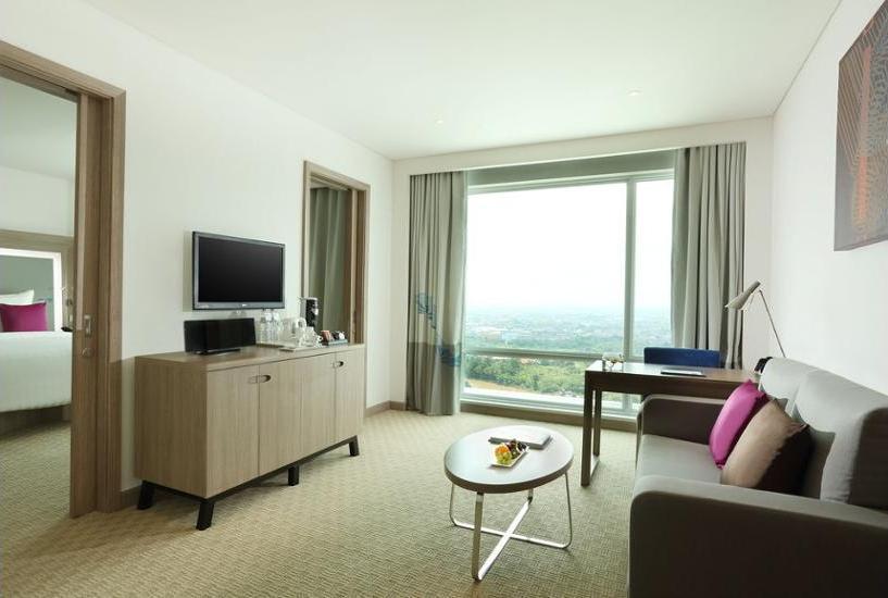 Novotel Tangerang - Living Area