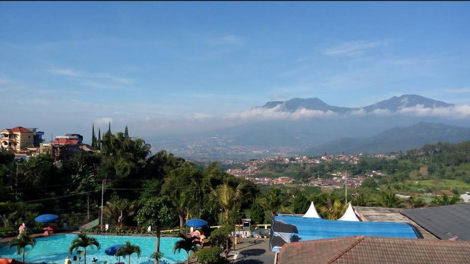 Hotel Selecta Malang - Mountain View