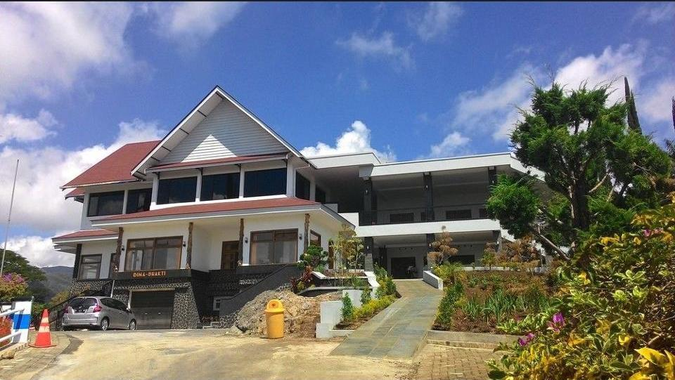 Hotel Selecta Malang - Hotel Front