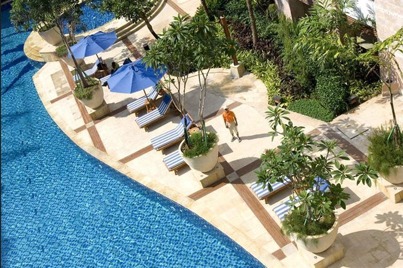 Novotel Mangga Dua Square Jakarta - Outdoor Pool