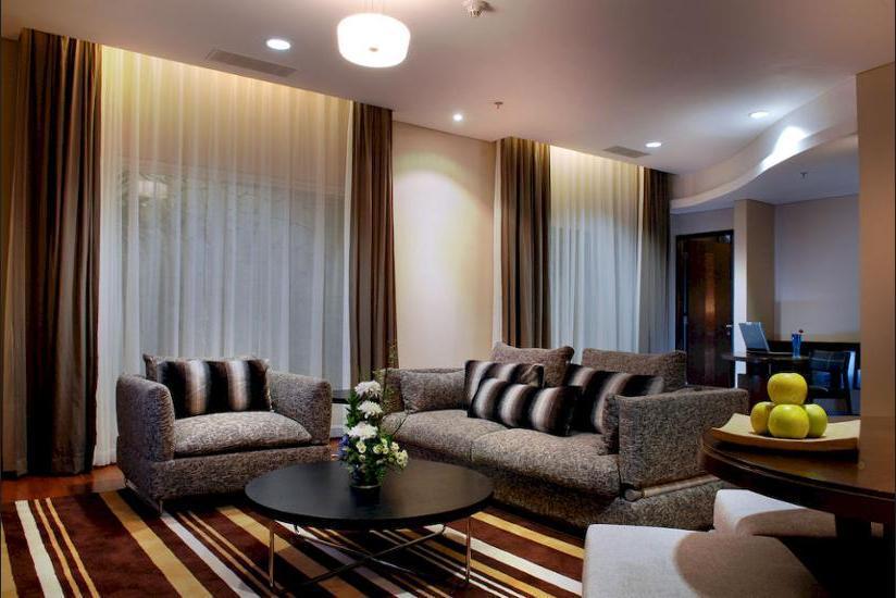 Novotel Mangga Dua Square Jakarta - Living Room