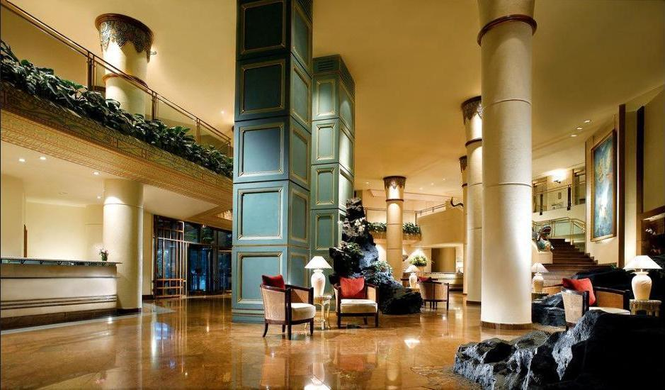 Le Meridien Jakarta - Lobby