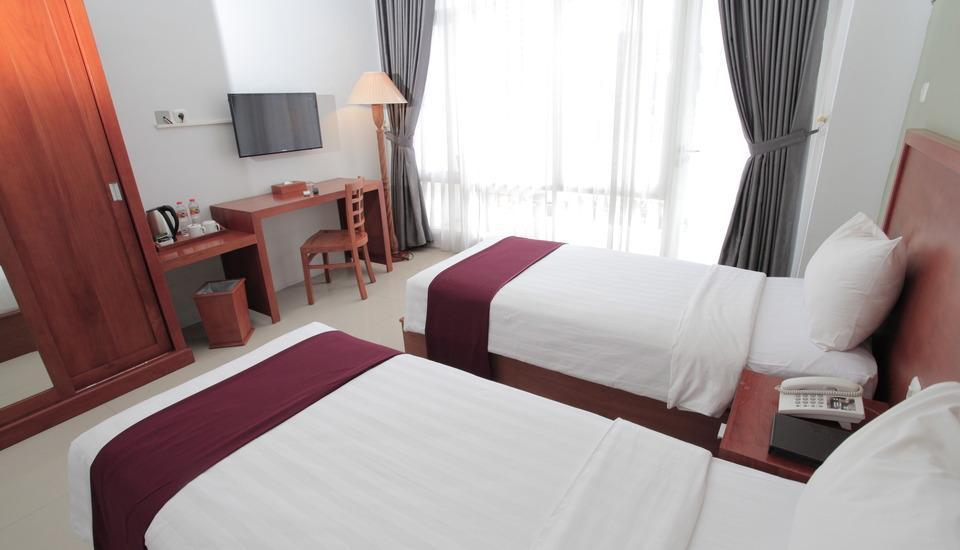 Prima SR Hotel & Convention  Yogyakarta - Deluxe Twin Room Only Regular Plan