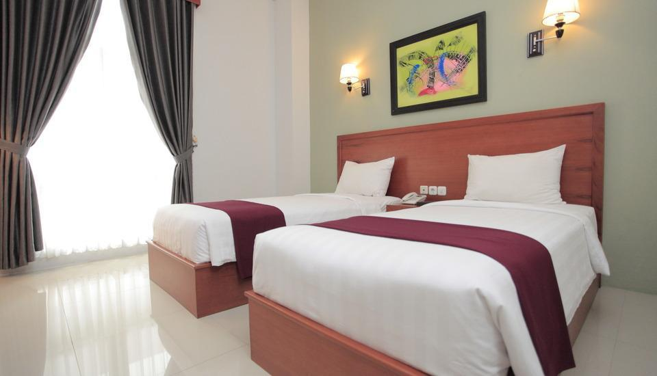 Prima SR Hotel & Convention  Yogyakarta - Tempat tidur Twin