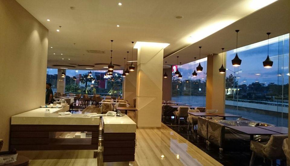Wing Hotel & Residence Kualanamu Medan - Restoran