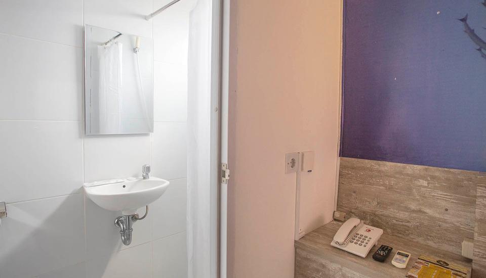 De Green Inn @aeropolis Tangerang - kamar mandi