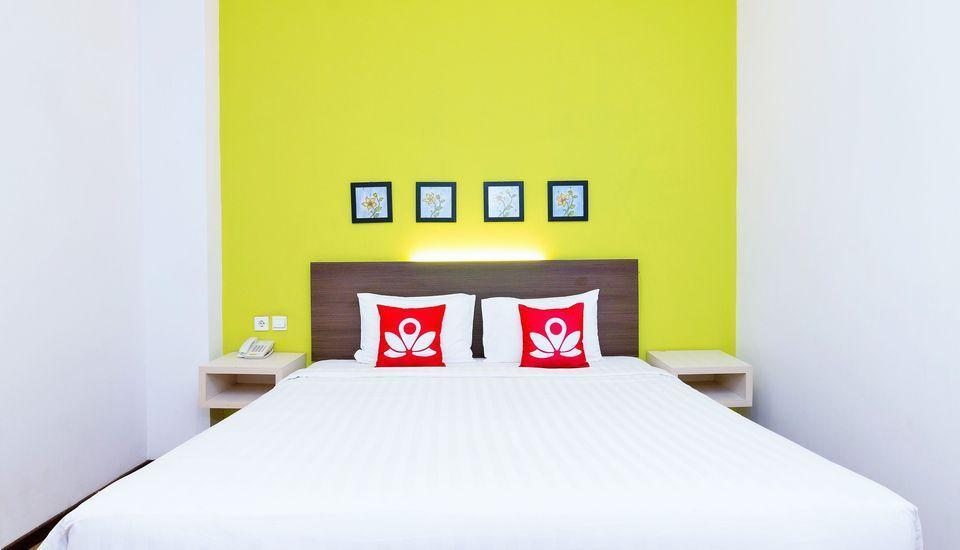 ZenRooms Mataram Catur Warga - Tampak tempat tidur double