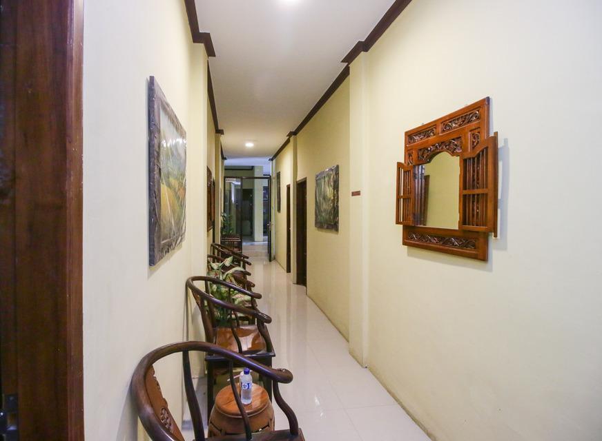 Airy Eco Syariah Manunggal Kebonsari Blok B 9 Surabaya Surabaya - Corridor