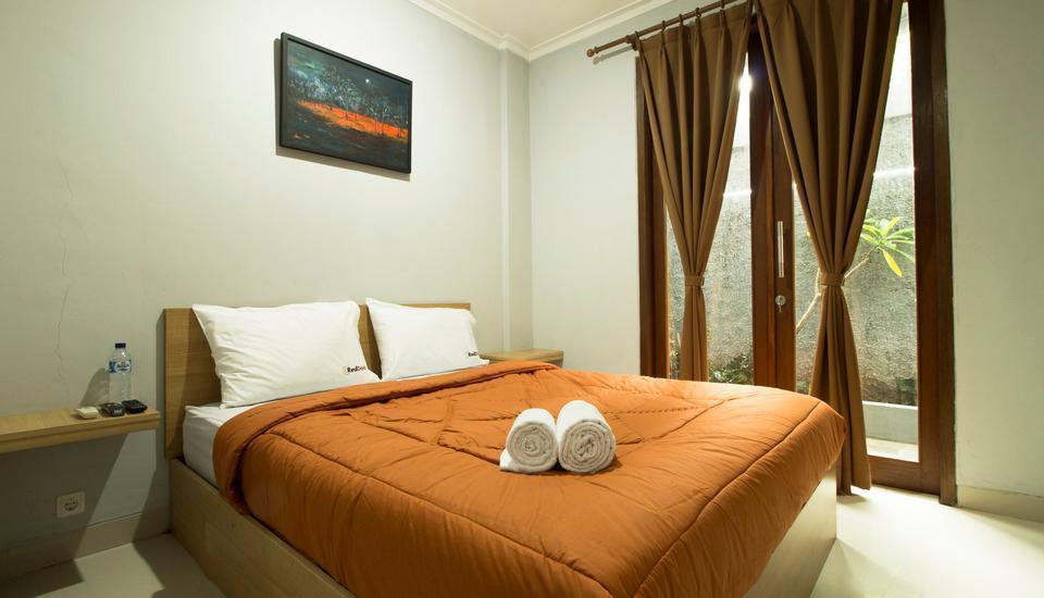 RedDoorz @Cipete 2 Jakarta - Reddoorz Room Special Promo Gajian