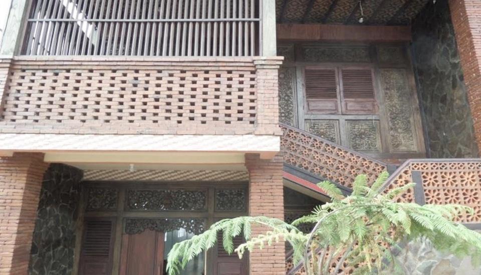 Losmen Adas Probolinggo - Exterior