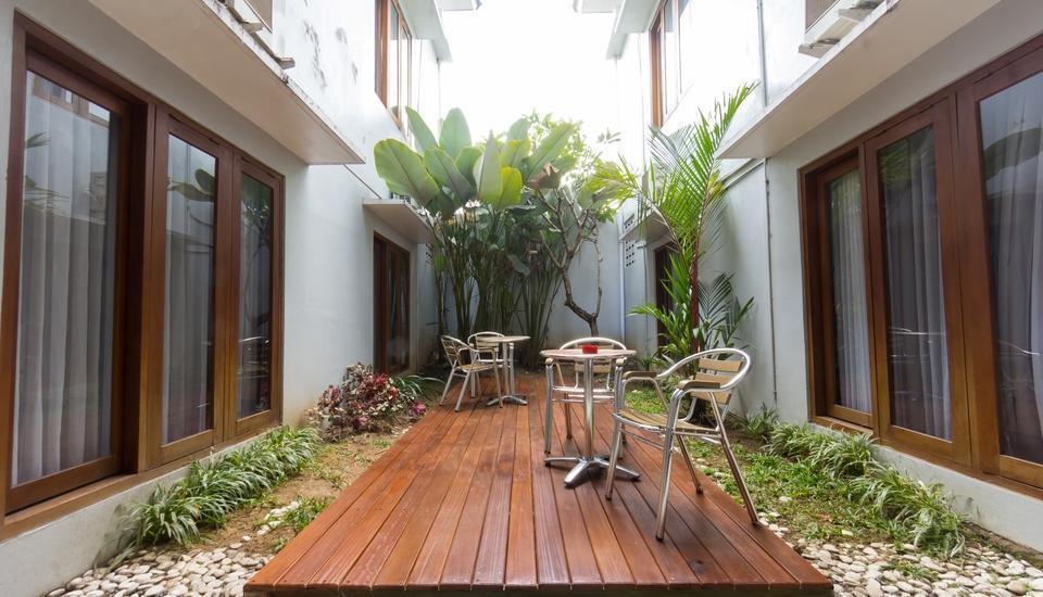 Hotel Absari Jogja - garden