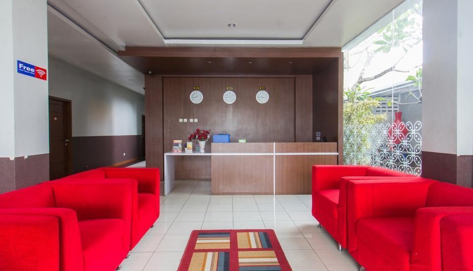 Hotel Absari Jogja - receiptionist
