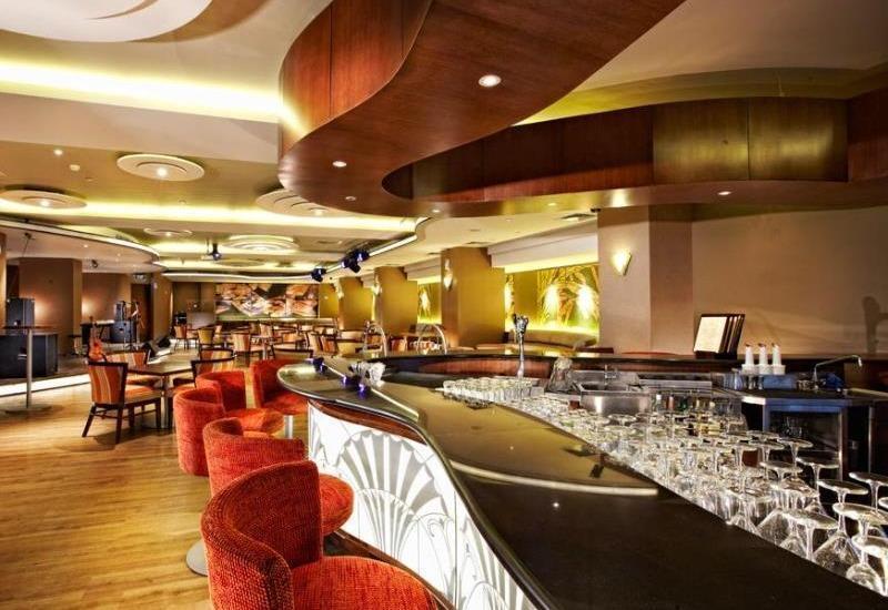Grand Royal Panghegar Bandung - Bar