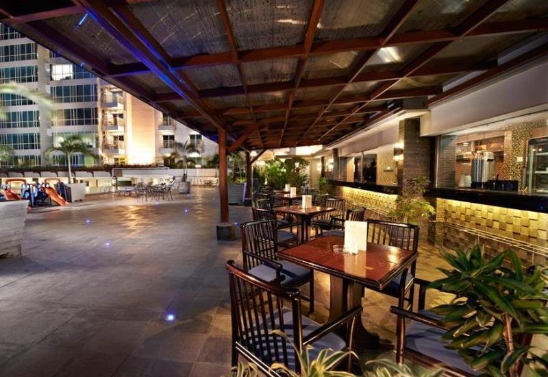 El Royale Hotel Bandung - Cafe