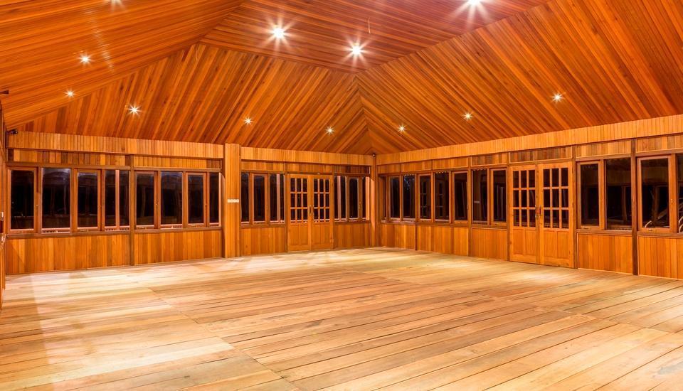 Botanica Nature Resort Bitung - Interior Ruang Serba Guna