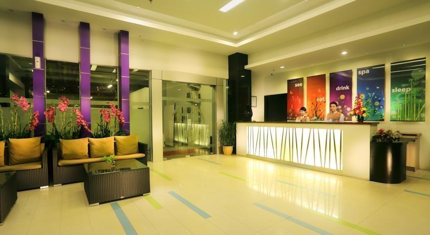 Transera Hotel Pontianak - Lobi