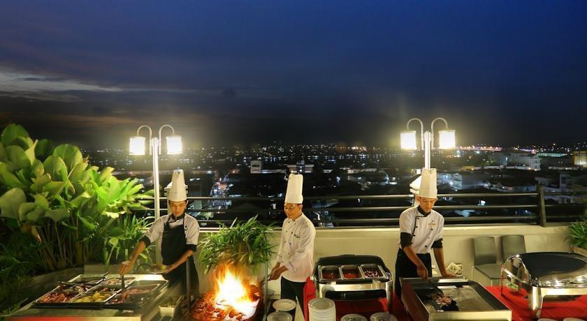 Transera Hotel Pontianak - Outdoor kitchen