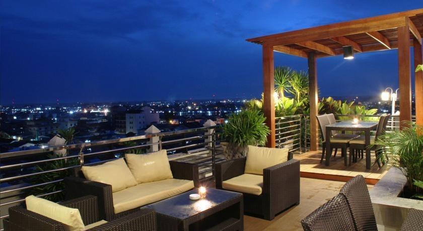Transera Hotel Pontianak - Balkon